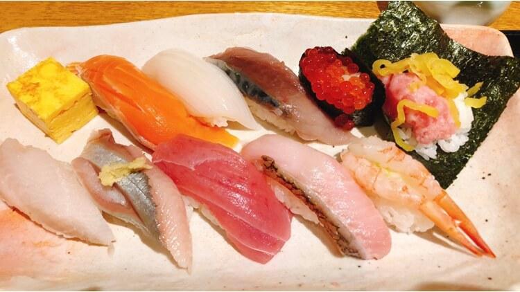 札幌:「寿司と炉端焼 四季花まる 北口店」でお得なお寿司ランチ