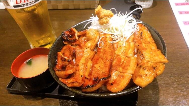 札幌:「炭焼豚丼 小豚家」が本格的で美味しい